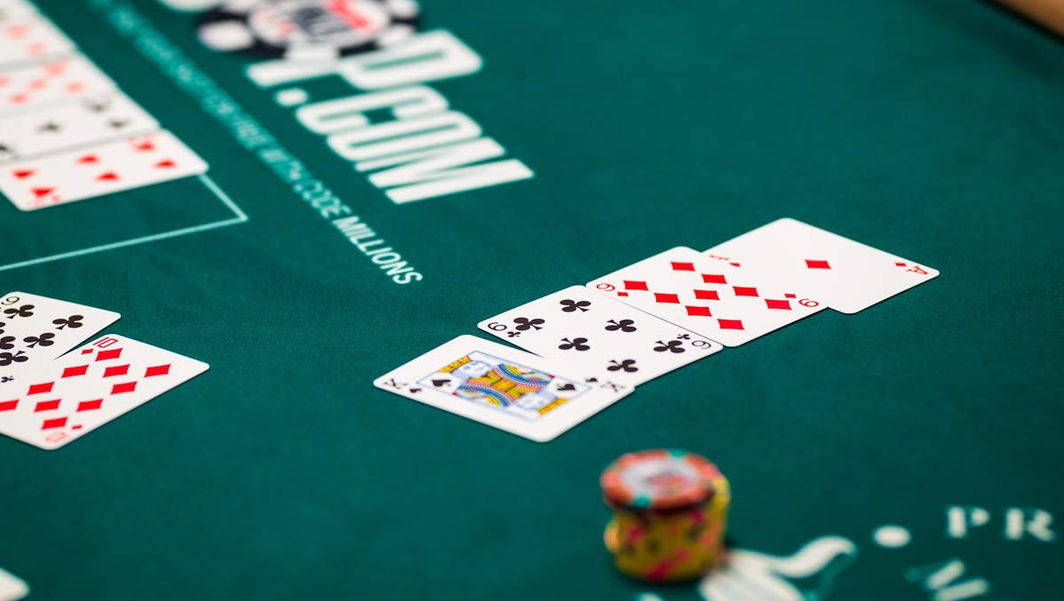 omaha poker, poker strategies, poker online, playing poker, poker gambling, jackpot, online gambling
