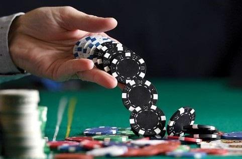 """Spontaneous"" Trick in Poker"