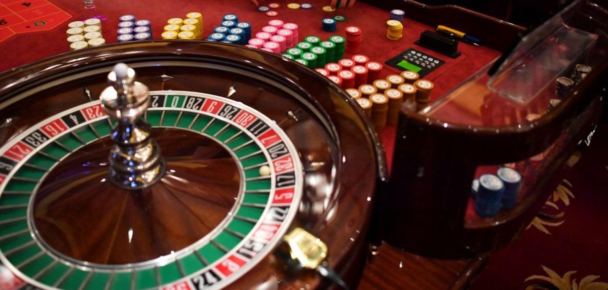 roulette, slot obline, roulette gambling, online gambling, jackpot, slot machine